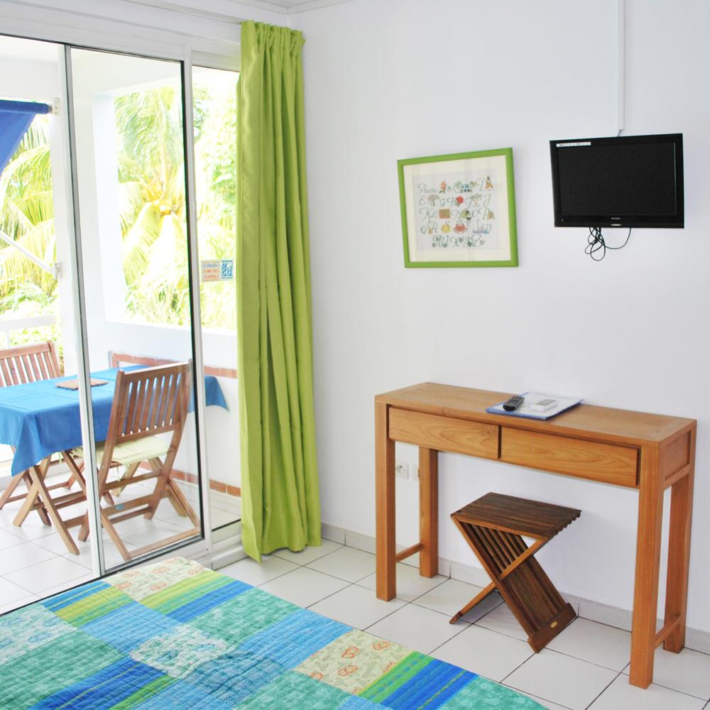 Les Créolines - green studio flat